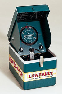 Первый портативный эхолот «Little green box» 1959г.